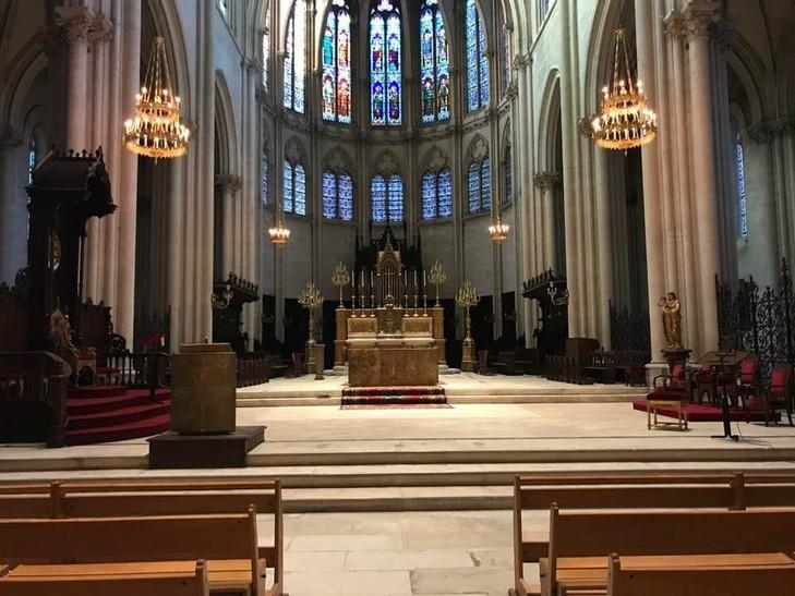 restauration-lustres-Chevillard-Cathedrale-Montpellier_1_729_547